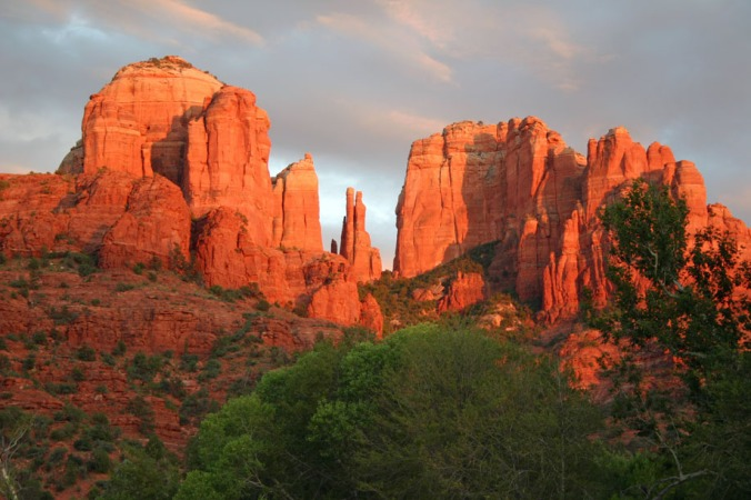 Cathedral-Rock-Sedona-Sunset-918x612